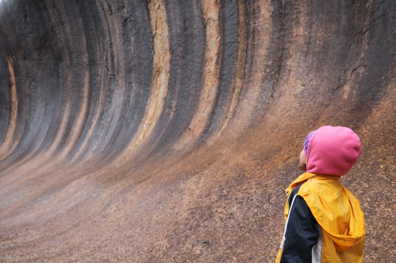 wave rock with kids, visit hyden with kids, family trip wave rock